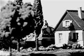 1/72 normandy diorama 042 bw