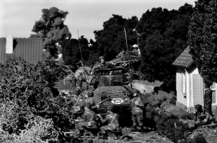 1/72 normandy diorama 049c bw