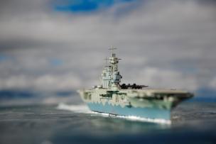 CV-8 USS Hornet (Tamiya)