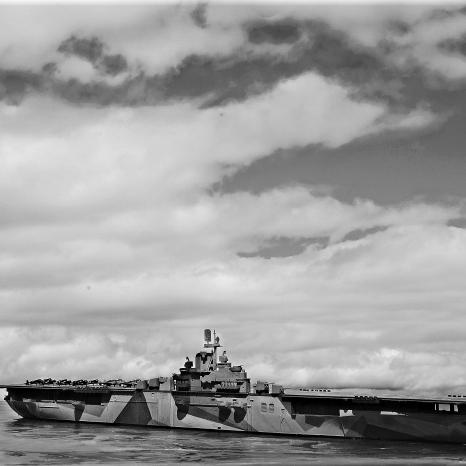 USS Ticonderoga 007 bw1