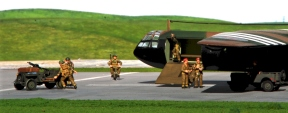 horsa-glider-with-british-paratroops_002