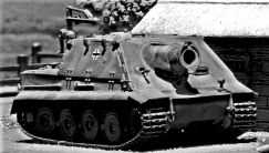 Sturmtiger_Dragon_1-72_001