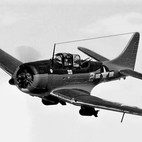 SBD Dauntless_in_flight_001