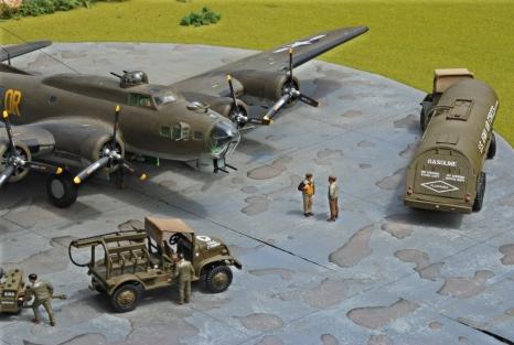 USAAF Resupply_B-17_004