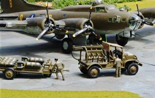 USAAF Resupply_B-17_006