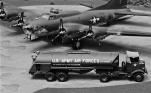 USAAF Resupply_B-17_014
