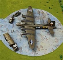 USAAF Resupply_B-17_016